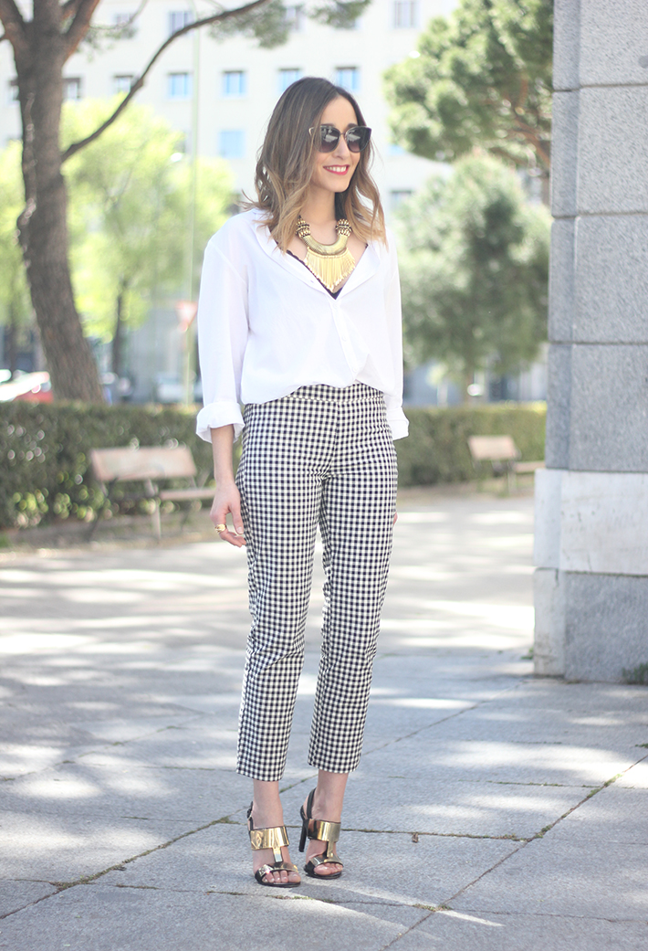 vichy trousers zara white shirt black sandals 03