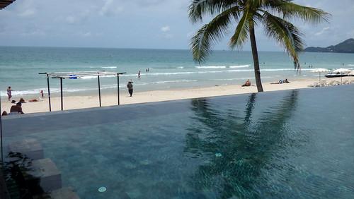 今日のサムイ島 4月28日 チャウエンビーチ-シナジーサムイのプールから
