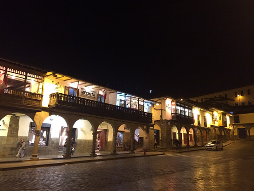 Cusco: la Plaza de Armas by night
