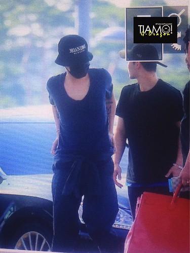 Big Bang - Incheon Airport - 05jun2016 - Forever TiAmo GD - 02
