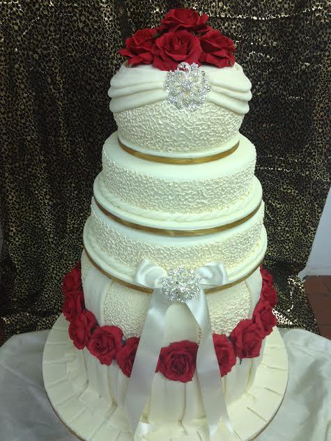 Cake by András Krasznai