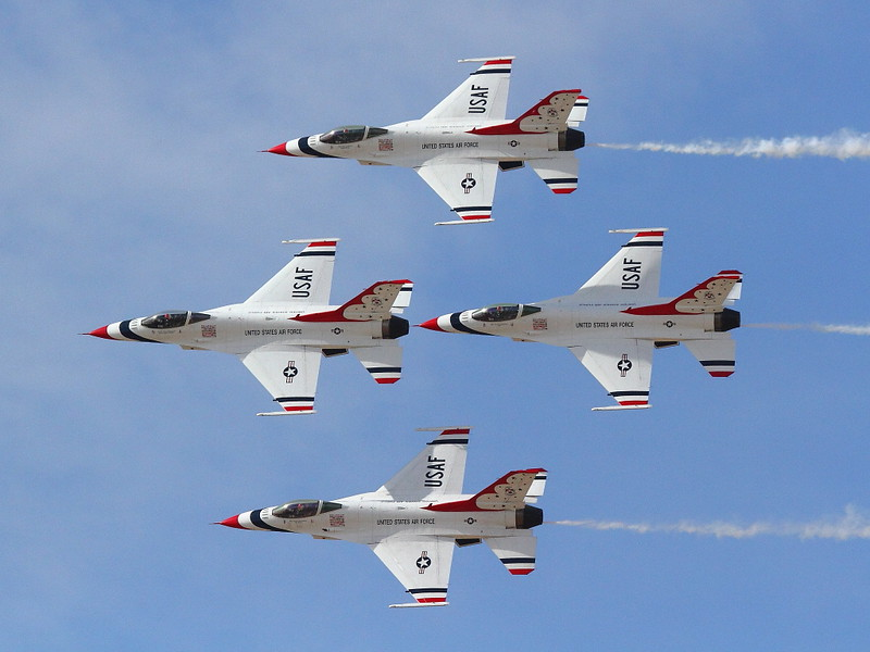 IMG_7830 Thunderbirds Diamond Formation