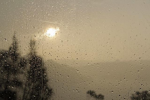 Flickr iansands Photostream # Sunshower Lake_065423