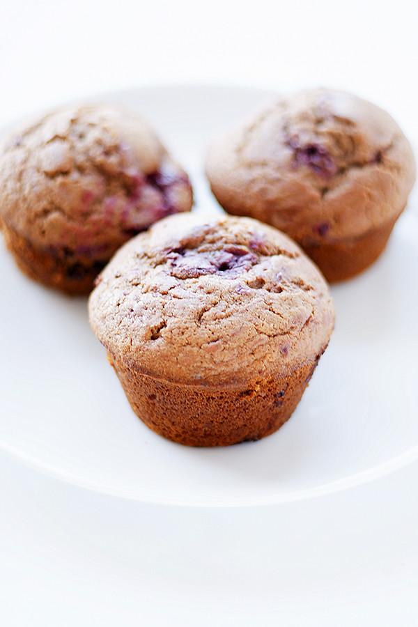nutella + raspberry muffins | heathersfrenchpress.com