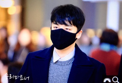 Big Bang - Kansai Airport - 19jan2015 - Seung Ri - Partnervi - 02 copy
