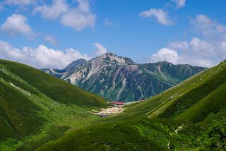双六小屋と鷲羽岳・水晶岳