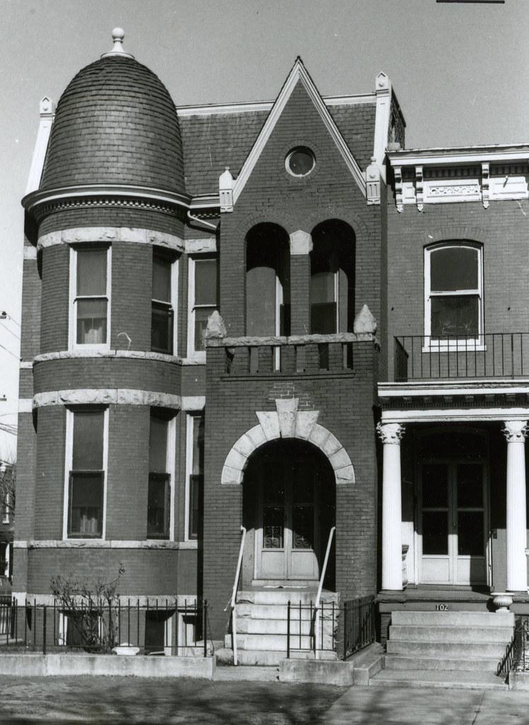 100 East Leigh Street