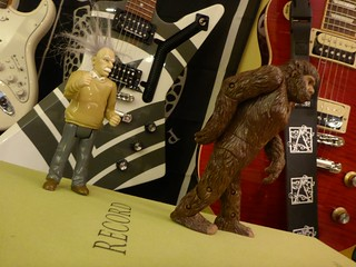 TrackHead Studios - Einstein sights Bigfoot