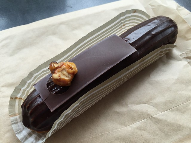 Hazelnut eclair - Bakery Lorraine