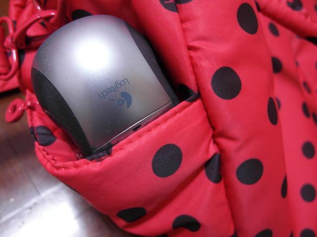 側邊袋我覺得有點小,用羅技無線鼠示範一下@VOVAROVA紅色點點圓舞曲波士頓包