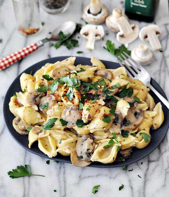 Creamy mushroom pasta | www.fussfreecooking.com