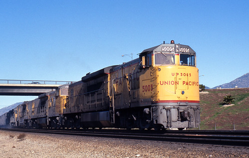 california up trains unionpacific ge railroads sanbernardino cajonpass u50c