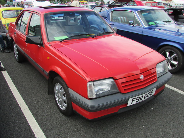Vauxhall Cavalier 1.6L F911GGS