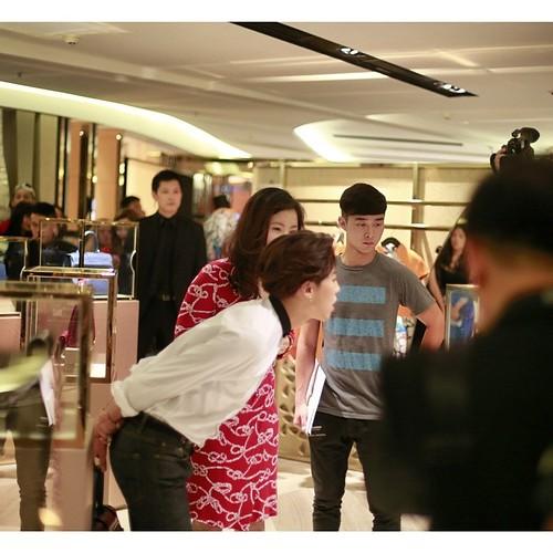 G-Dragon_HarveyNichols-COLOMBO_VIA_DELLA_SPIGA-HongKong-20140806 (37)