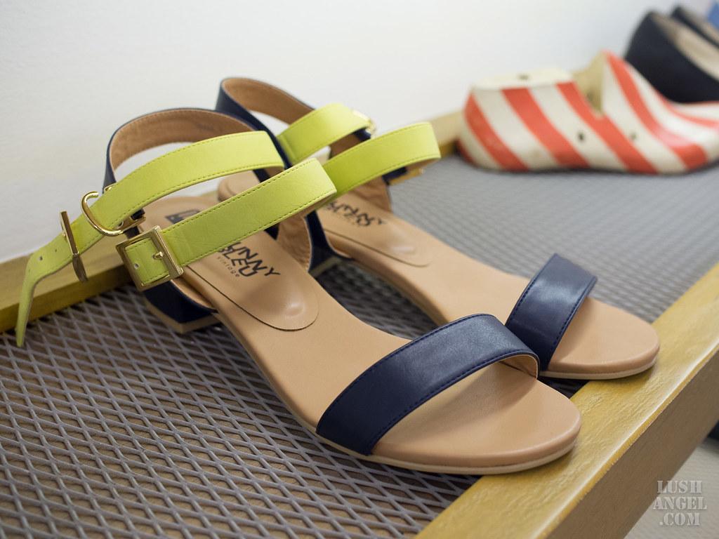 lebunny-bleu-sandals