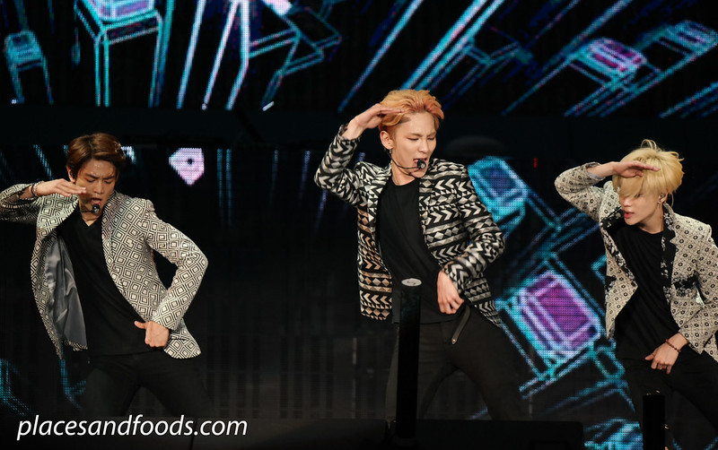 2015 shinee group dancing 1