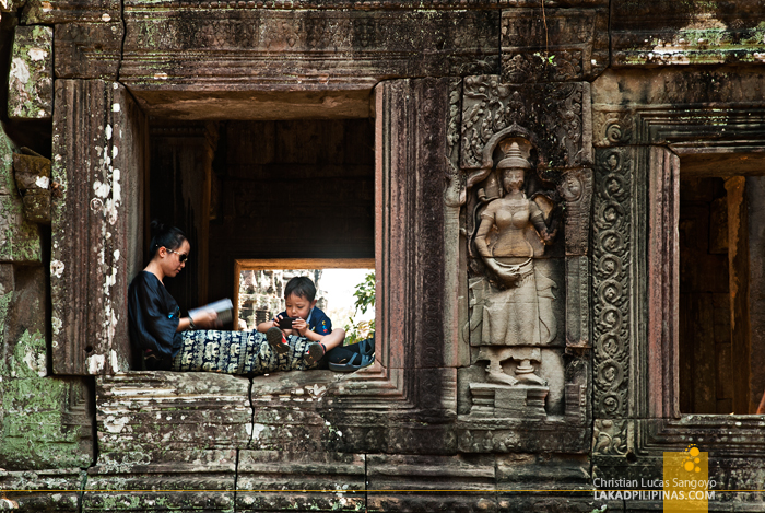 Tourists at Banteay Kdei in Siem Reap