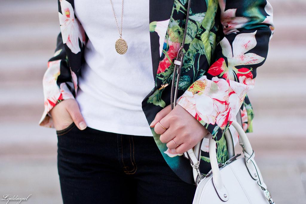 floral blazer, flared jeans, white satchel-6.jpg