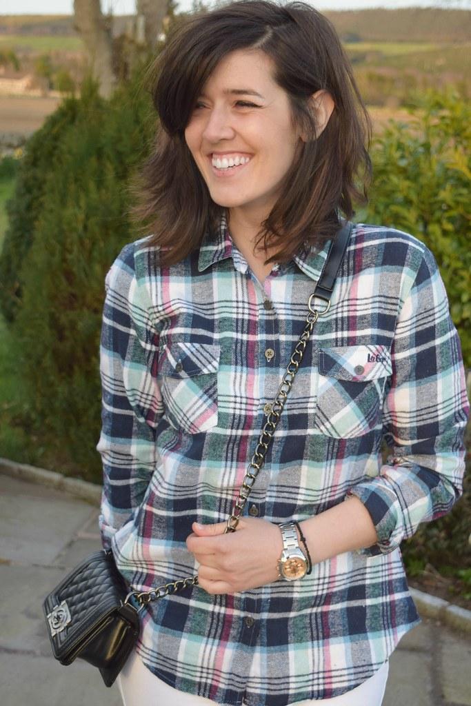 UK Fashion blogger Natbeesfashion