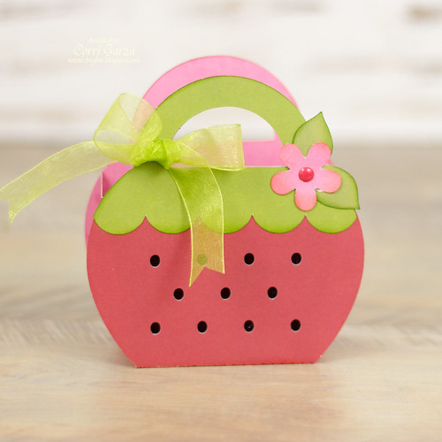 corri_garza_LW_strawberry_basket