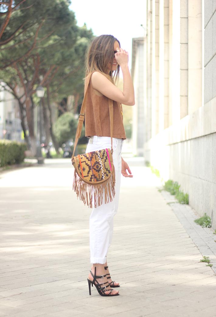 suede top suiteblanco white boyfriend jeans zara fringed purse dayaday 07