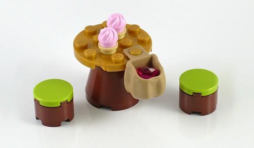 LEGO Elves 41074 Azari and the Magical Bakery 11
