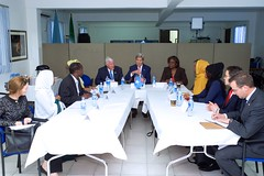 U.S. Secretary of State John Kerry, flanked by U.S. Special Representative for Somalia James McAnulty and Assistant Secretary of State for African Affairs Linda Thomas-Greenfield, meets five representatives of Somali civil society - Khadija Isse Fara'adde, Ilwad Elman, Fartuun Abdisalaan Adan, Mohamed Ibrahim, and Zainab Hassan - after arriving in Mogadishu, Somalia, on May 6, 2015, for a series of meetings with them, Somali President Hassan Sheikh Mohamud, Prime Minister Omar Abdirashid Ali Sharmarke, and Somali regional leaders [State Department Photo/Public Domain]