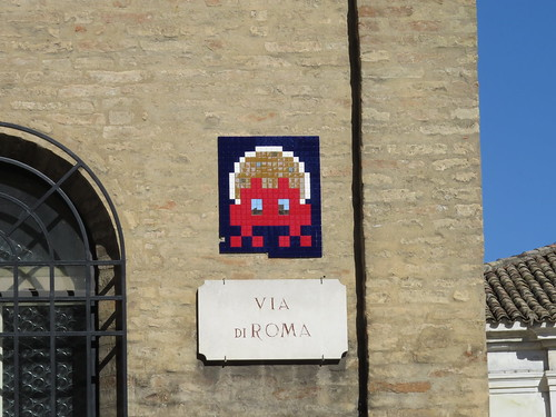 Space Invader at via Roma