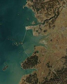 新萬金計畫填海造路的範圍空照圖;圖片來源:網路