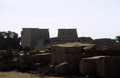 Ägypten 1999 (312) Karnak-Tempel: Tempel des Chon