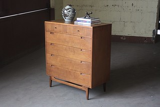 Agile Midcentury Modern American of Martinsville Tall Walnut Dresser Chest of Drawers (U.S.A., 1960s)