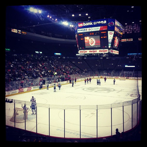 Cyclones hockey game #17 of the season with @genmae5...