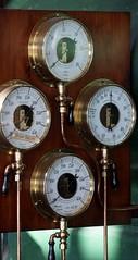 decor(0.0), drums(0.0), antique(0.0), clock(0.0), barometer(1.0), gauge(1.0), measuring instrument(1.0),