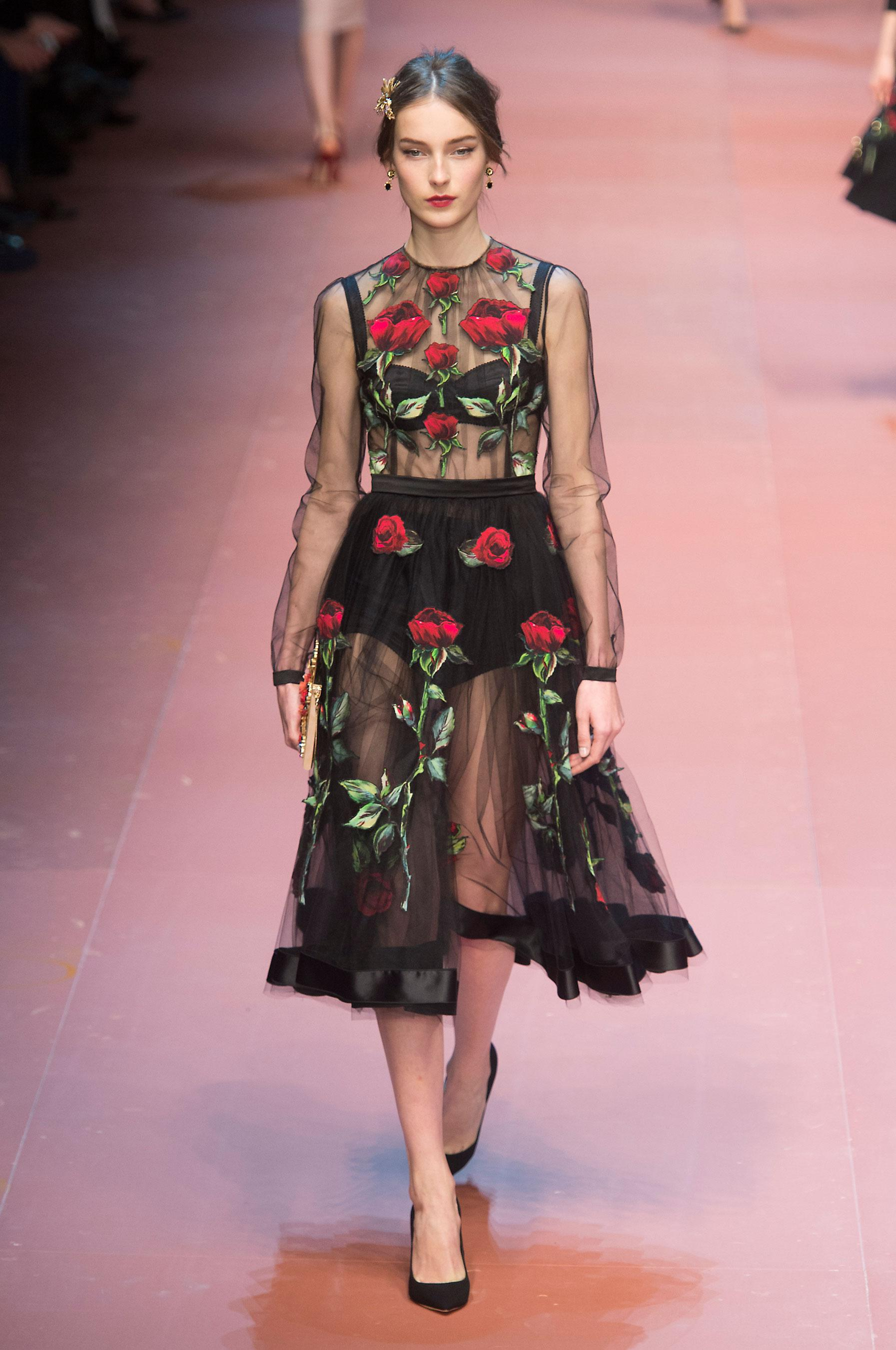 something fashion blogger, spain valencia, spring inspiration post, floral, alexander mcqueen flower dress 2007, interior design, tulips, seasonal inspo