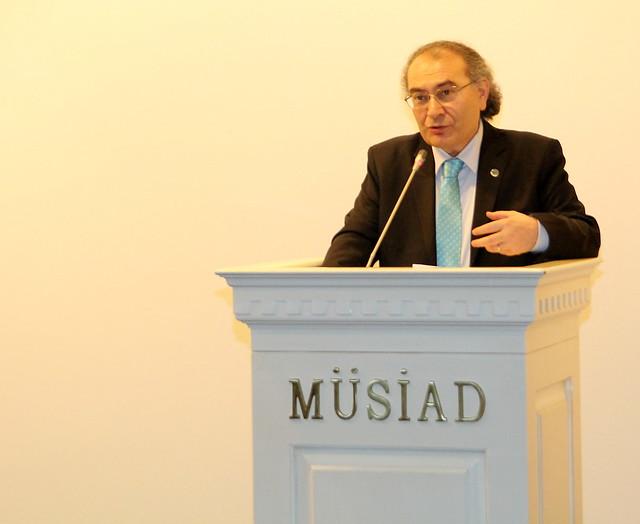 """Prof. Dr. Nevzat Tarhan: """"Çanakkale Ruhu sözlerle değil duygularla öğretilmeli"""""""