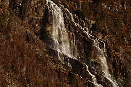 ...two waterfall rainbows..:)