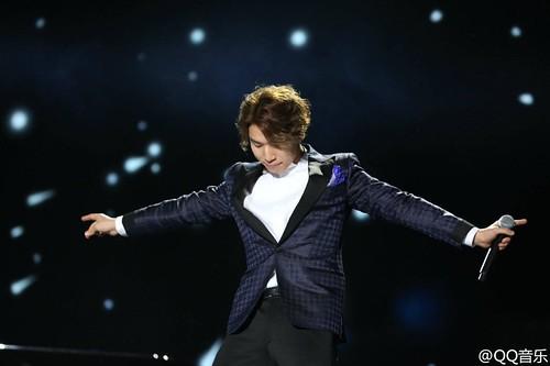 BIGBANG QQ Music Awards Shenzhen 2016-03-23 (8)