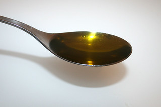 14 - Zutat Olivenöl / Ingredient olive oil