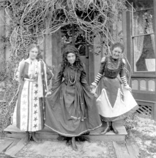 Women curtseying - St. Andrews