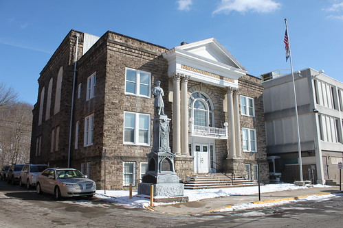 Hancock County Courthouse, New Cumberland, WV