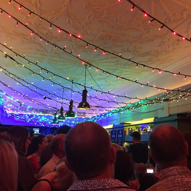 #qtsydney #parlourlane #parlourlaneroasters had the prettiest lights! And it was #mariescrisis night which meant it was absolutely packed!
