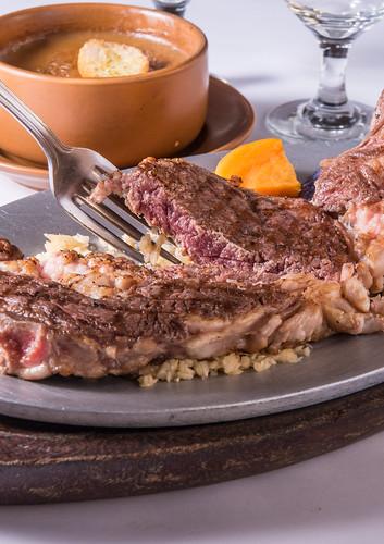 高雄50年牛排老店,新國際西餐廳堅持的傳統美味料理 (25)美國極佳級-安格斯沙朗牛排