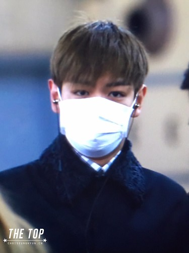 TOP Arrival Seoul from Tokyo 2015-111-03 (5a)