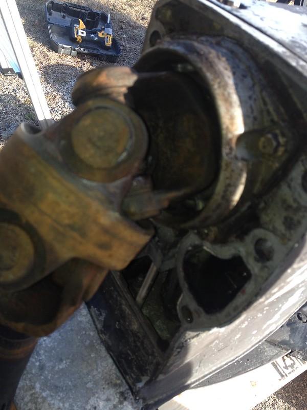 89(39) 2655 various concerns (gimbal bearing, bellows, water