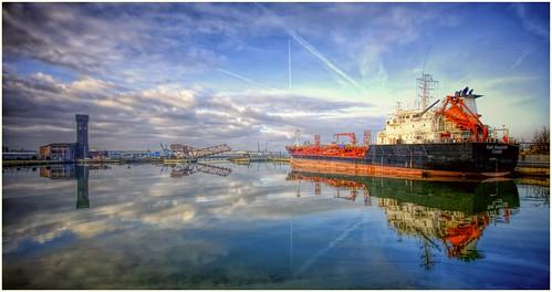 Birkenhead docks .