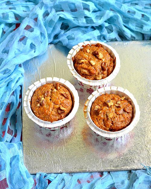 Eggless banana walnut muffin recipe