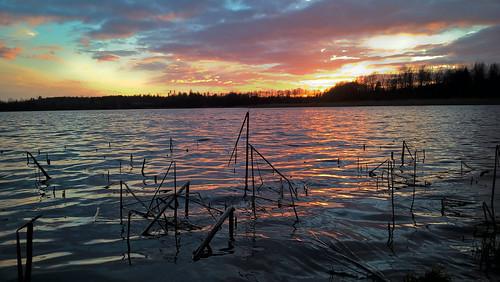 sunset sun espoo sundown rich smartphone microsoft hdr järvi auringonlasku aurinko kevät lumia lippajärvi phoneography lumia640