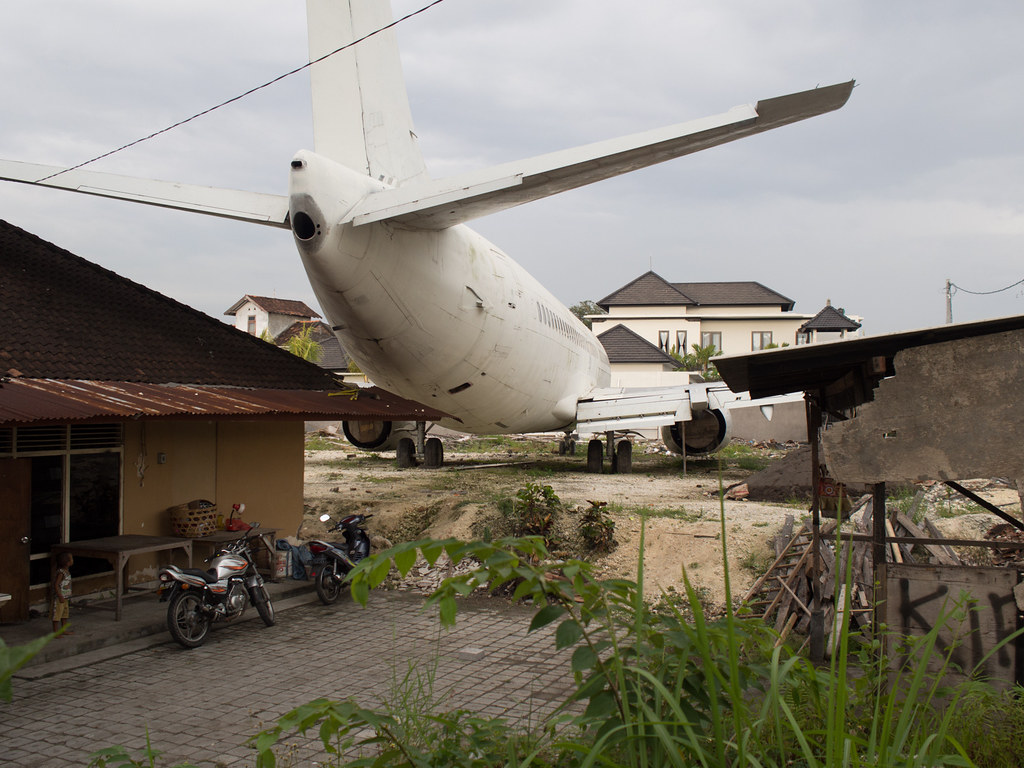 2. Abandoned Plane from imgur.com