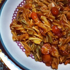 beef chow fun(0.0), meat(0.0), char kway teow(0.0), produce(0.0), chow mein(0.0), vegetable(1.0), kung pao chicken(1.0), food(1.0), dish(1.0), cuisine(1.0),