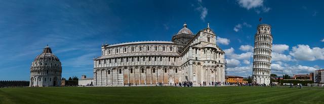 Piazza del Duomo, Pisa, Italy.